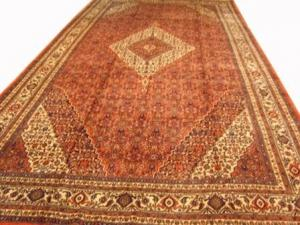 Fine Persian Bibik Abad (ahw16711)