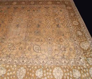 Old Persian Tabriz (70tb4591)